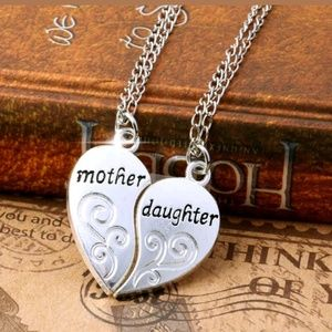 Jewelry - 2PC/Set Mom Mother & Daughter Heart